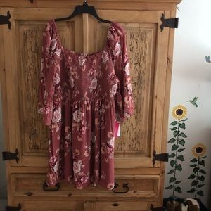 🌺 NWT ROSE COLORED FLORAL DRESS